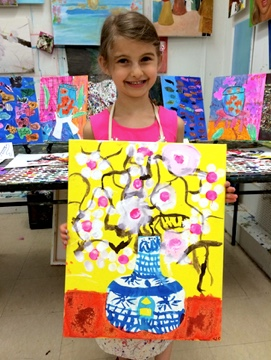 Let your child enjoy our one-of-a-kind art classes for kids as exploring authentic self-expression, creativity and artistic technique!